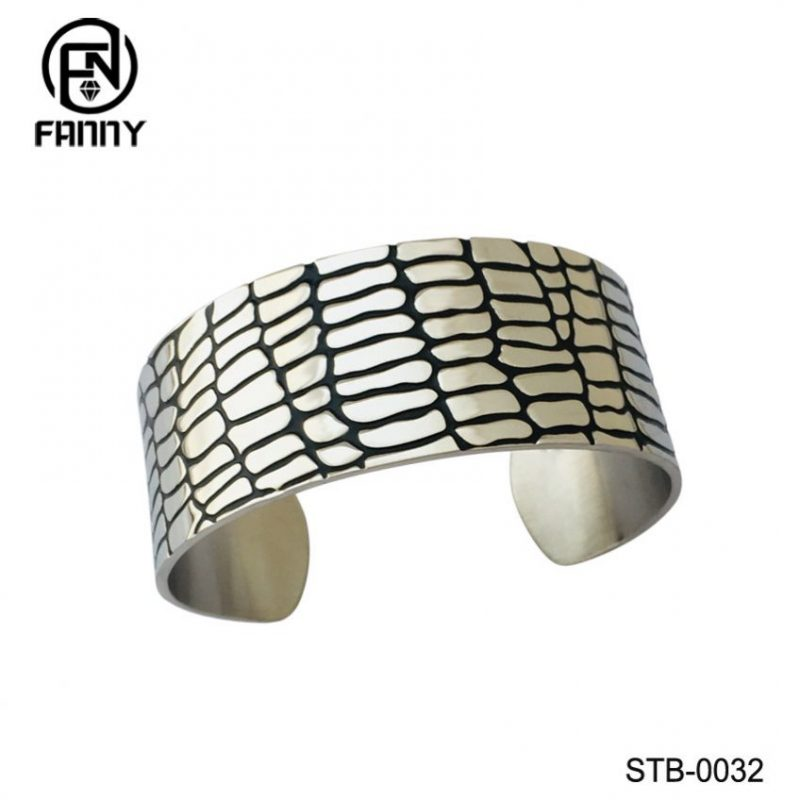 Men's Personality Style High Quality Surgical Stainless Steel C-shaped Bangle China Factory